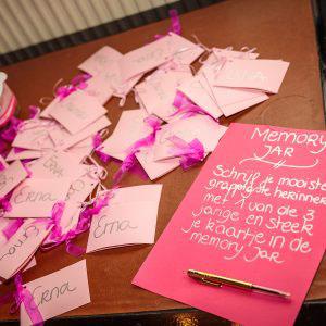 Kaartjes om een herinnering op te schrijven tijdens een evenement georganiseerd door KonseptS