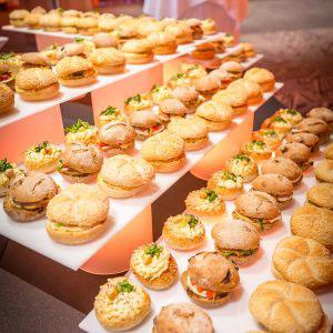 Geserveerde broodjes tijdens het evenement van Stihl