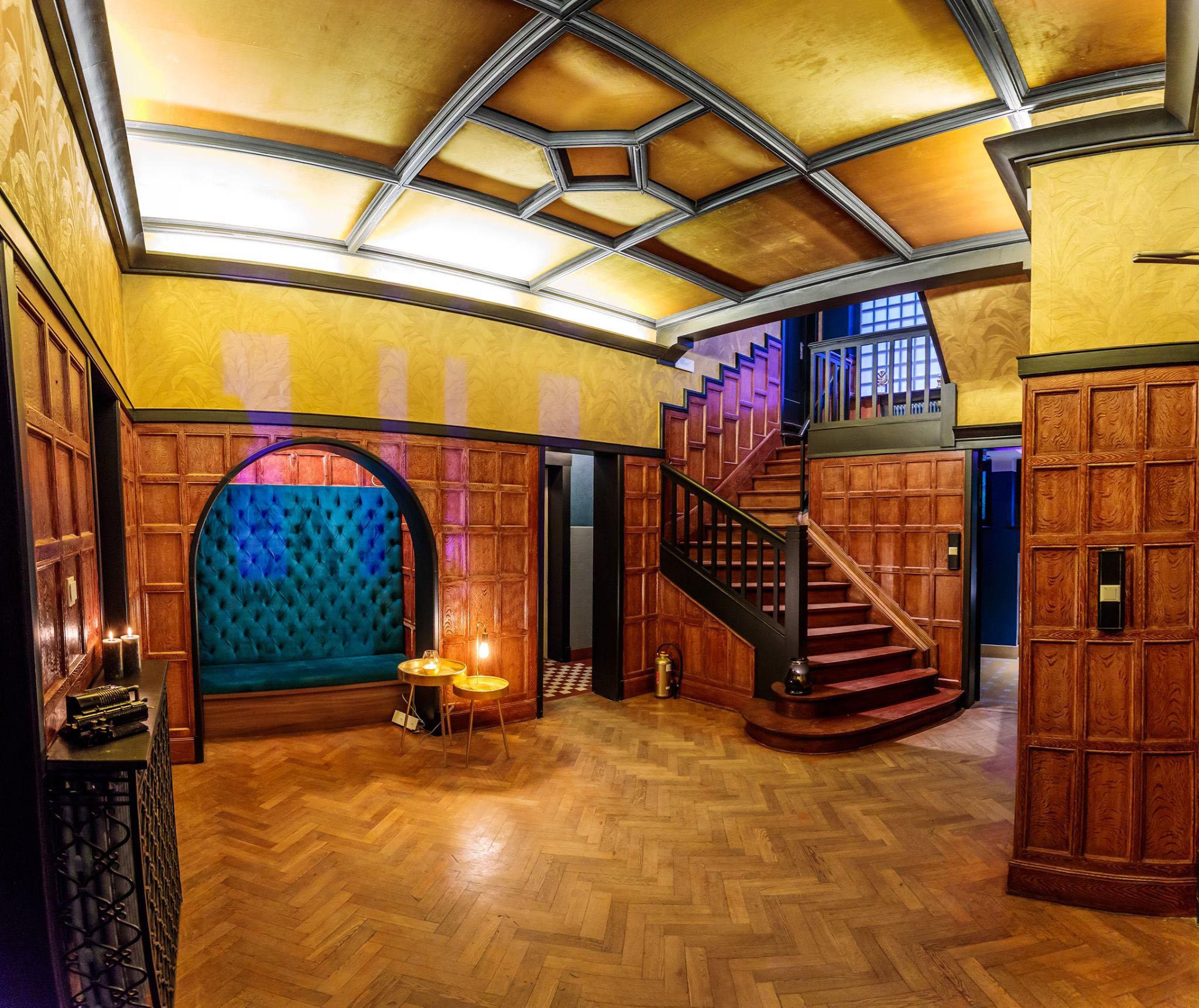 Inkomhal Villa Zwart Goud