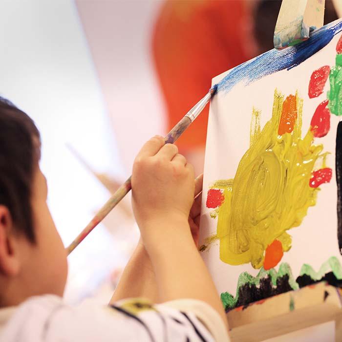 Staycation Squad schilderen met kinderen